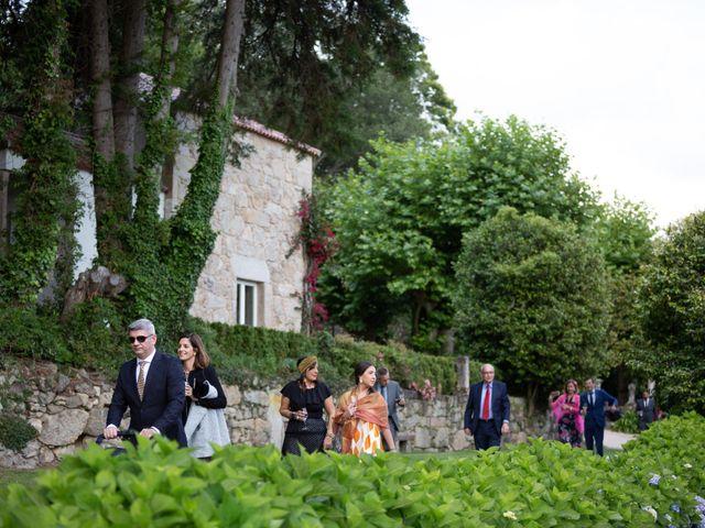 La boda de Juan y Begoña en Nigran, Pontevedra 74