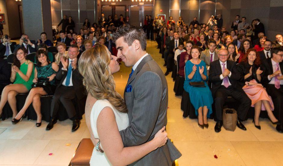 La boda de Fernando y Lourdes en Madrid, Madrid