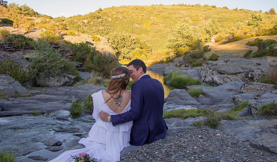 La boda de Carlos y Beatriz  en Cantalojas, Guadalajara