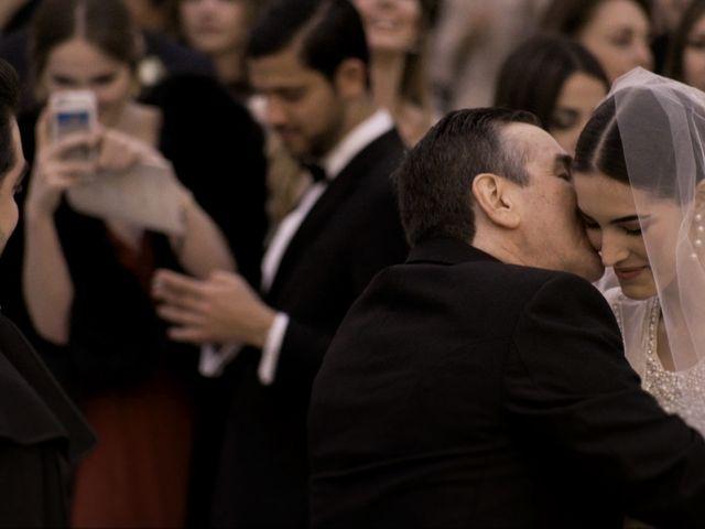 La boda de Juan y Adela en Pozuelo De Alarcón, Madrid 10