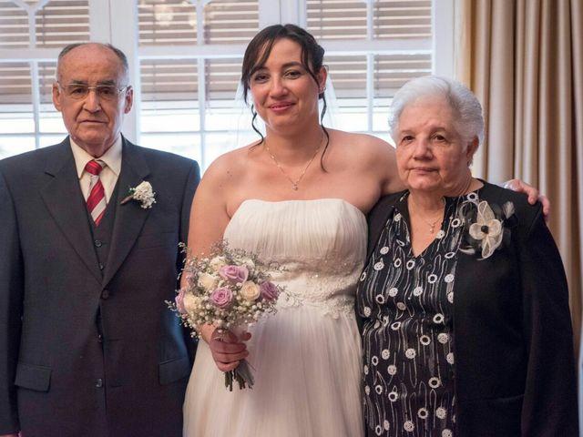 La boda de Oscar y María Ángeles  en Badalona, Barcelona 23