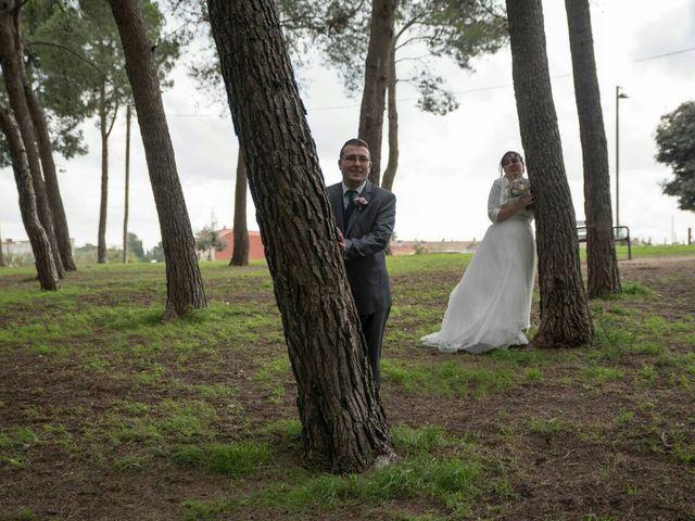 La boda de Oscar y María Ángeles  en Badalona, Barcelona 27