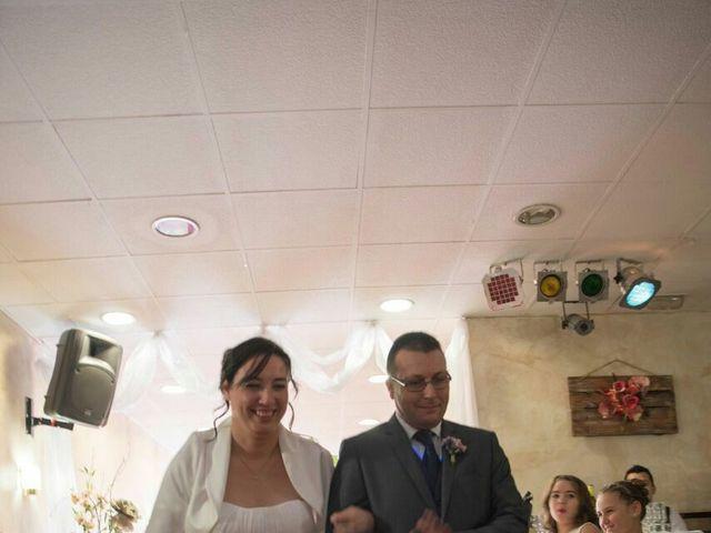 La boda de Oscar y María Ángeles  en Badalona, Barcelona 33