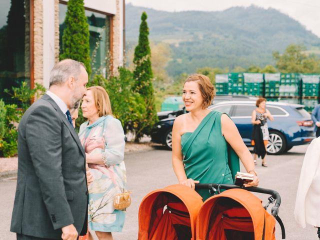 La boda de Fran y Paula en Amandi, Asturias 18