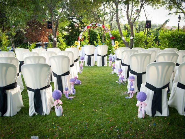 La boda de Rober y Laura en Navaluenga, Ávila 13