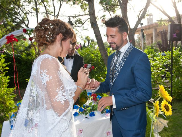La boda de Rober y Laura en Navaluenga, Ávila 16