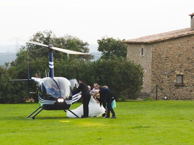 La boda de Javier  y Patricia en Canet D'adri, Girona 10