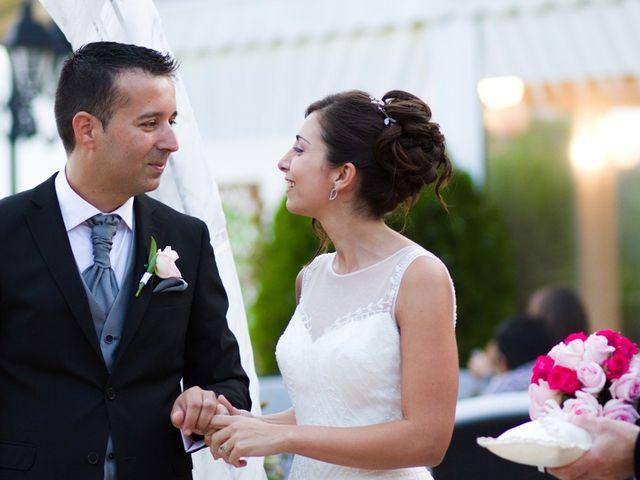 La boda de Javier  y Patricia en Canet D'adri, Girona 12