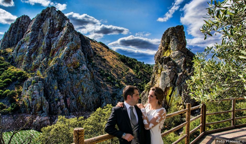 La boda de Javier y Ana en Zarza De Granadilla, Cáceres