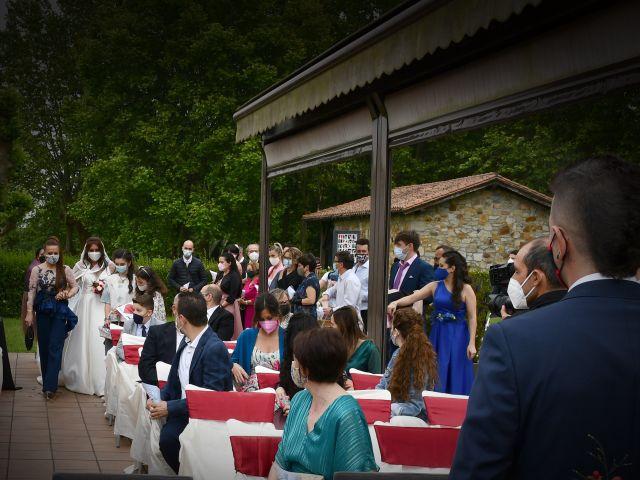 La boda de Iker y Carla en Sondika, Vizcaya 12