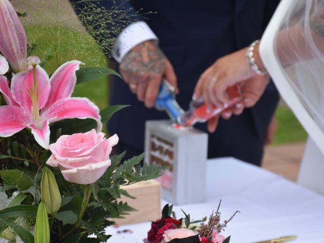 La boda de Iker y Carla en Sondika, Vizcaya 15