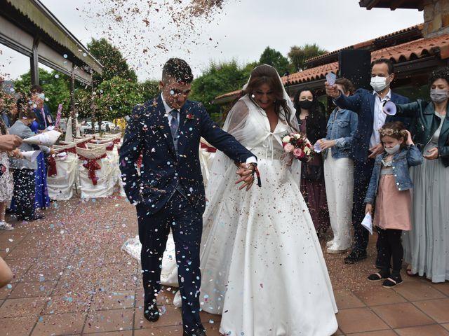 La boda de Iker y Carla en Sondika, Vizcaya 16