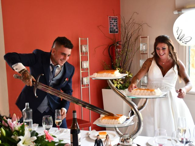 La boda de Iker y Carla en Sondika, Vizcaya 23
