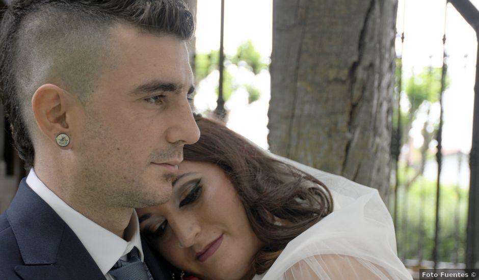 La boda de Iker y Carla en Sondika, Vizcaya