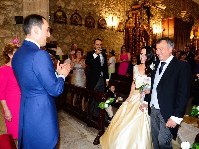 La boda de Nacho y Laura en Navalmoral De La Mata, Cáceres 30