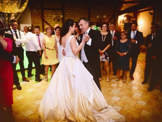 La boda de Nacho y Laura en Navalmoral De La Mata, Cáceres 63