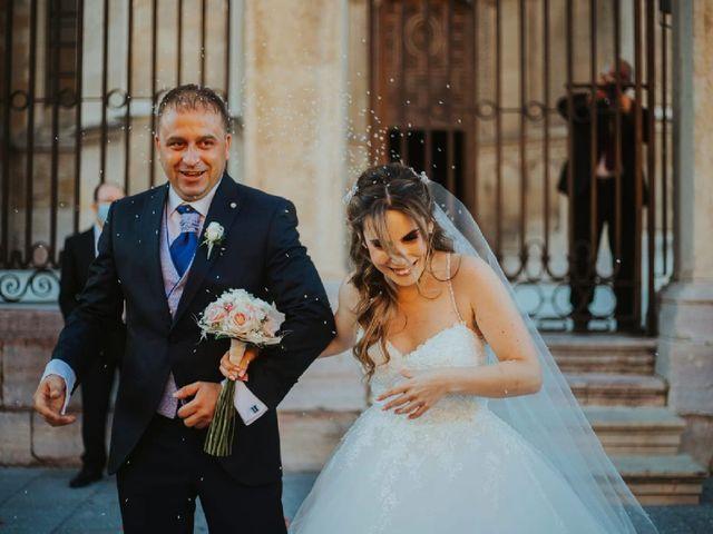 La boda de Armando y Beatriz en León, León 1
