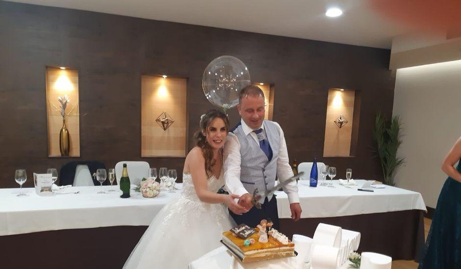 La boda de Armando y Beatriz en León, León