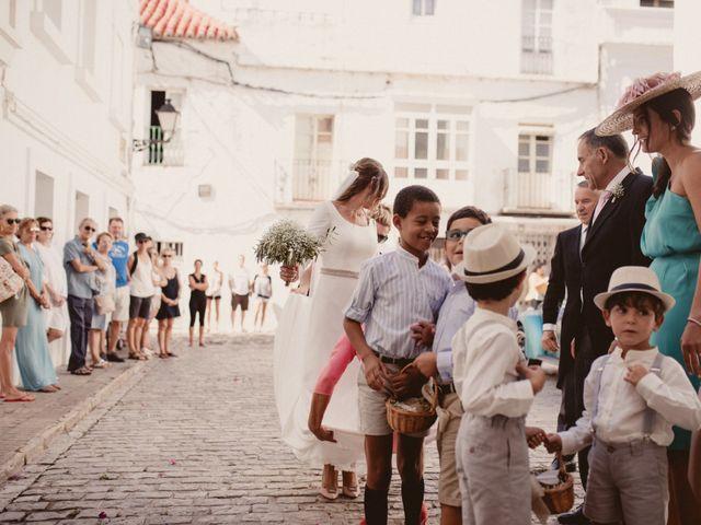 La boda de David y Naiara en Tarifa, Cádiz 33
