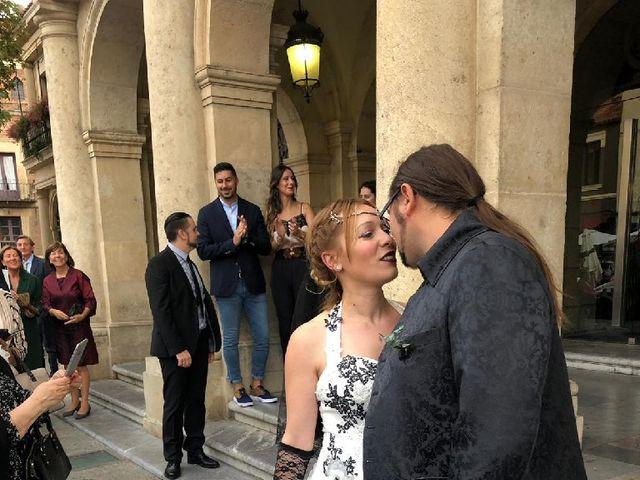 La boda de Gonzalo  y María  en León, León 2