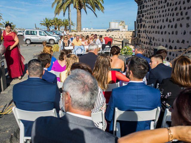 La boda de Victor y Lina en San Bartolomé, Las Palmas 42