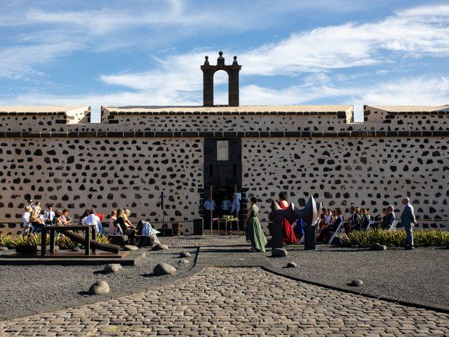 La boda de Victor y Lina en San Bartolomé, Las Palmas 43