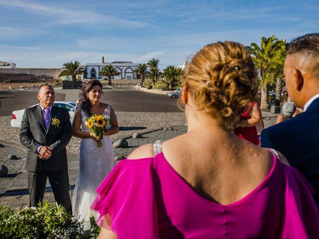 La boda de Victor y Lina en San Bartolomé, Las Palmas 50