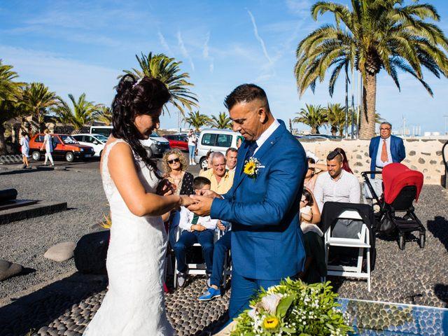 La boda de Victor y Lina en San Bartolomé, Las Palmas 54