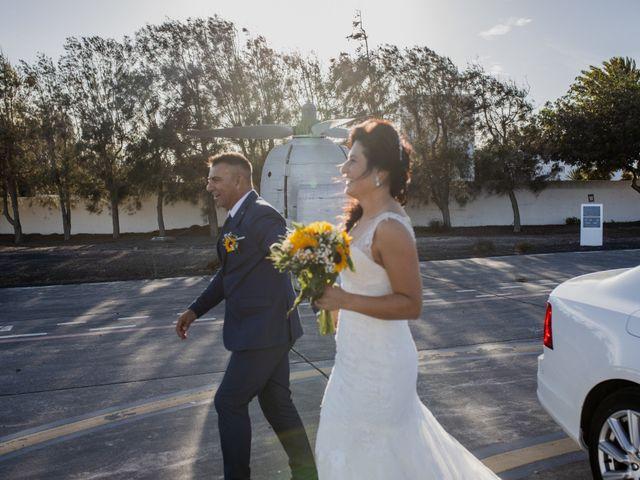 La boda de Victor y Lina en San Bartolomé, Las Palmas 61