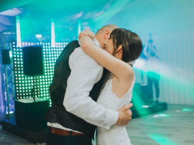 La boda de Kiko y Adriana en La Font D'en Carròs, Valencia 30