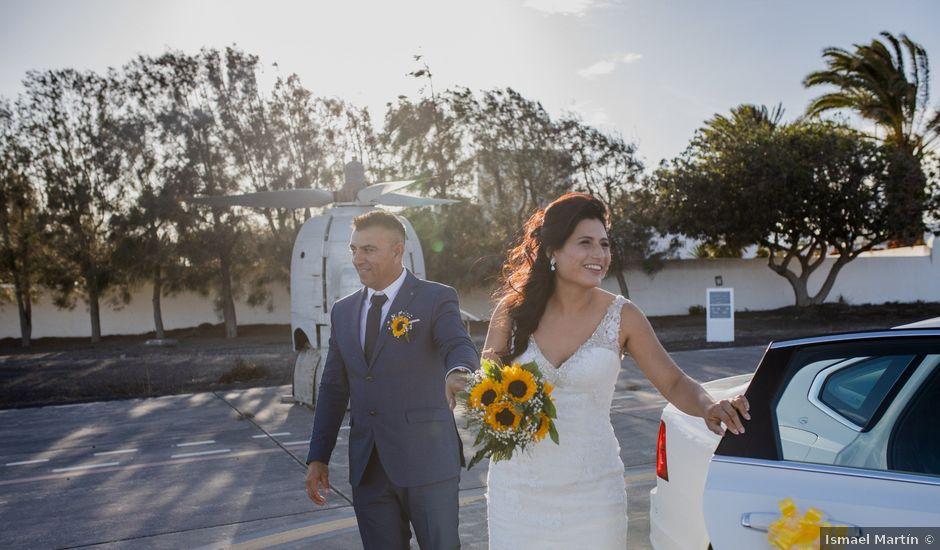 La boda de Victor y Lina en San Bartolomé, Las Palmas