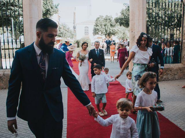 La boda de Pepe y Elena en Lora Del Rio, Sevilla 44