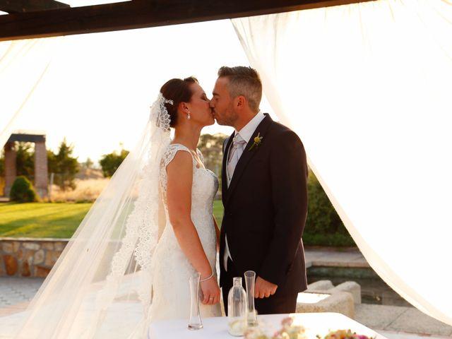 La boda de Adrián y Estefanía en Brunete, Madrid 28