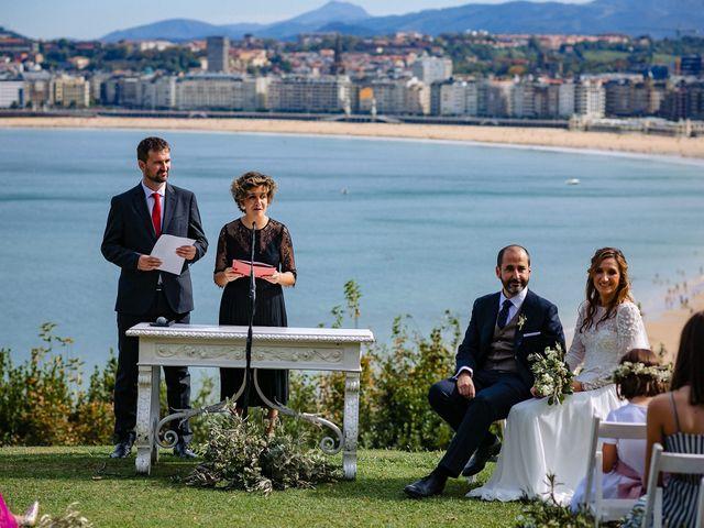 La boda de Iñaki y Amaia en Donostia-San Sebastián, Guipúzcoa 21