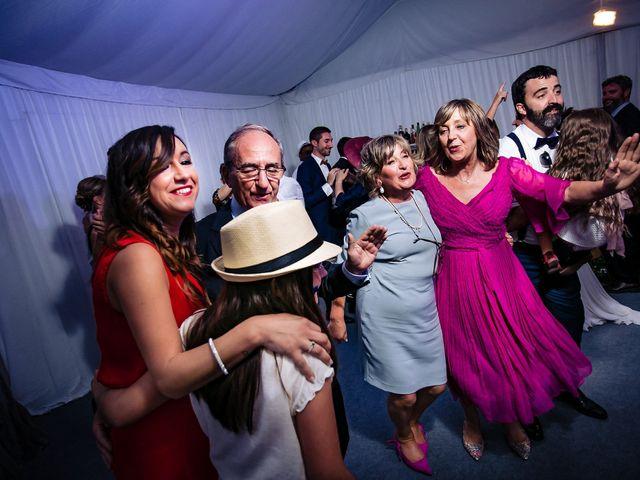 La boda de Iñaki y Amaia en Donostia-San Sebastián, Guipúzcoa 38