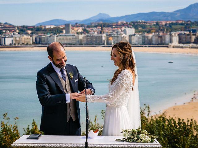 La boda de Iñaki y Amaia en Donostia-San Sebastián, Guipúzcoa 42