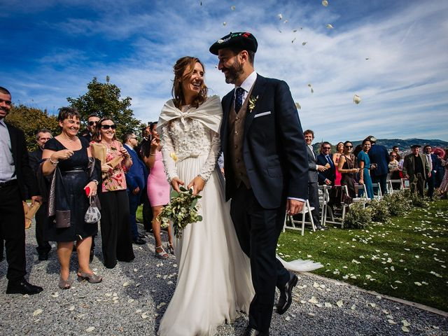 La boda de Iñaki y Amaia en Donostia-San Sebastián, Guipúzcoa 45