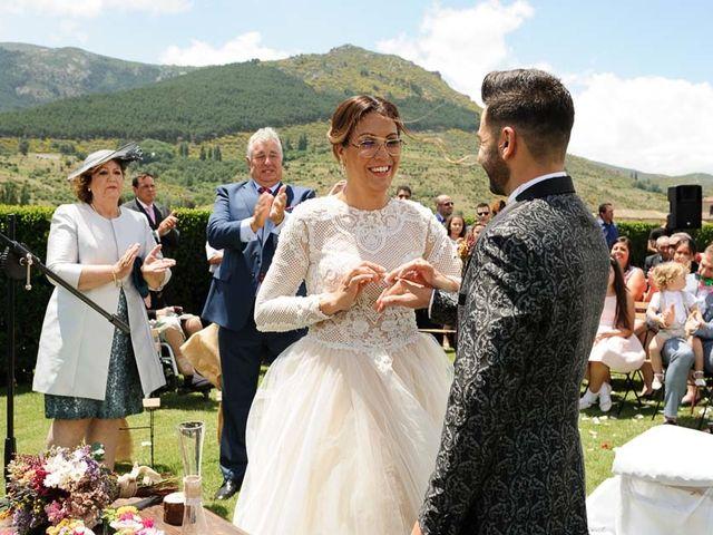 La boda de David y Elena en Villatoro, Ávila 20