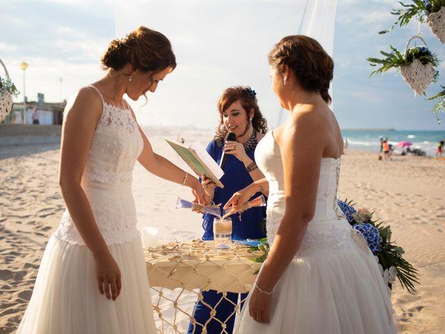 La boda de Alba y Yolanda en Playa De Daimús, Valencia 20
