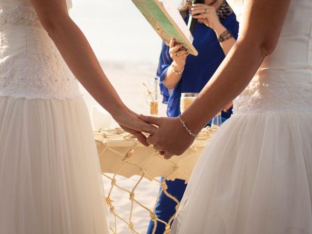La boda de Alba y Yolanda en Playa De Daimús, Valencia 21