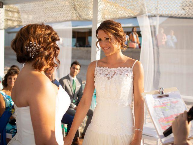 La boda de Alba y Yolanda en Playa De Daimús, Valencia 22