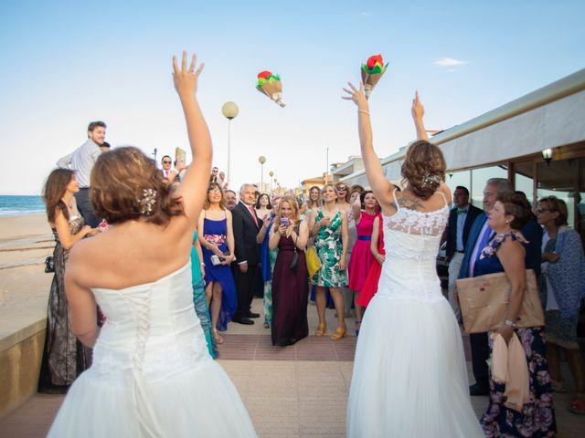 La boda de Alba y Yolanda en Playa De Daimús, Valencia 26