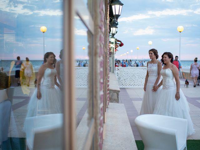 La boda de Alba y Yolanda en Playa De Daimús, Valencia 27