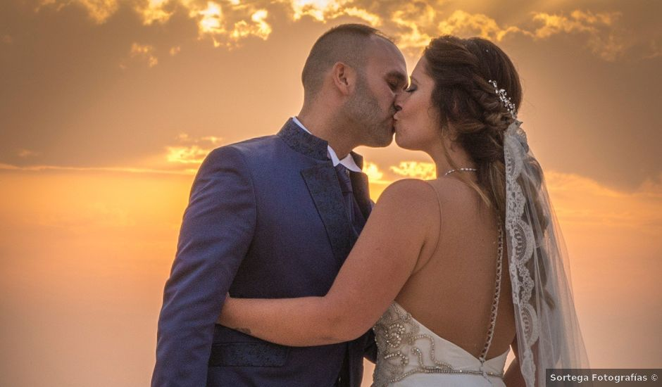 La boda de José Angel y Marta en Zahara De Los Atunes, Cádiz