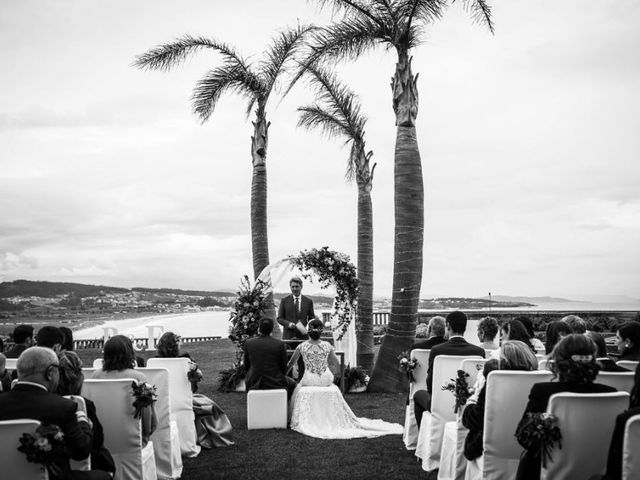 La boda de Esteban y Raquel en O Grove (Casco Urbano), Pontevedra 10