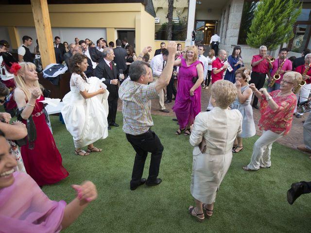 La boda de Daniel y Lidia en Vilamartin De Valdeorras, Orense 38
