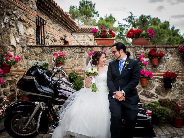 La boda de Javier y Natalia en Madrid, Madrid 37