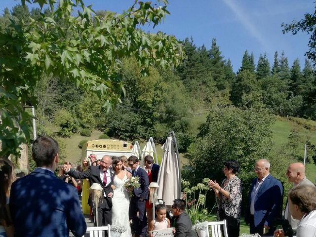 La boda de Borja y Ane en Atxondo, Vizcaya 12