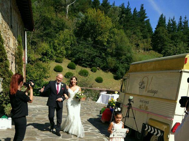 La boda de Borja y Ane en Atxondo, Vizcaya 22