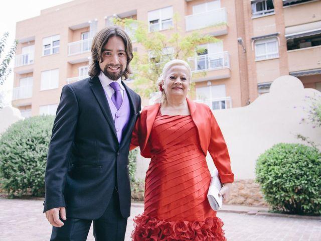 La boda de Fernando y Alba en Paterna, Valencia 19